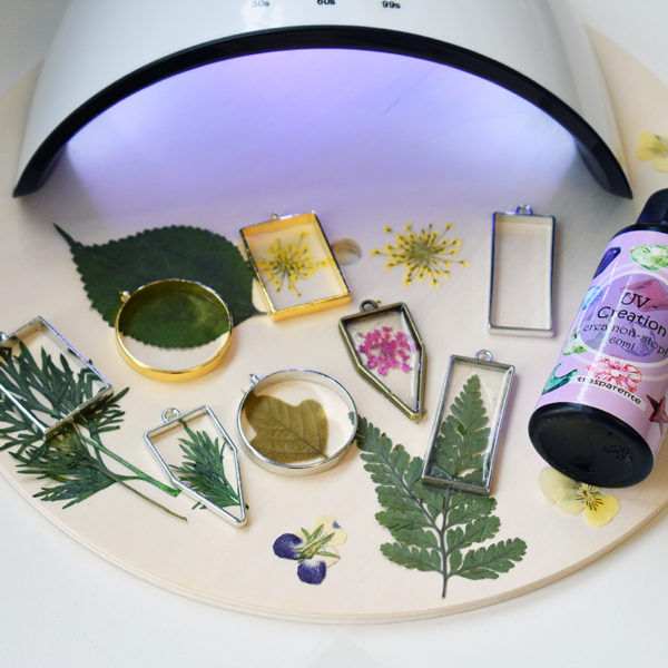 """Flowers"" Kit + UV lamp as a gift!"